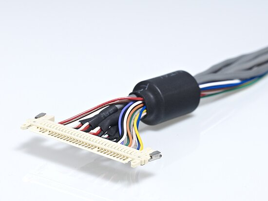Bild 1 - LVDS Displaycable with JAE- FI-X and Coaxial wires 75Ohm
